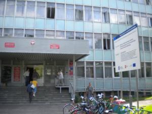 Wejście do Starostwa Powiatowego w Białej Podlaskiej